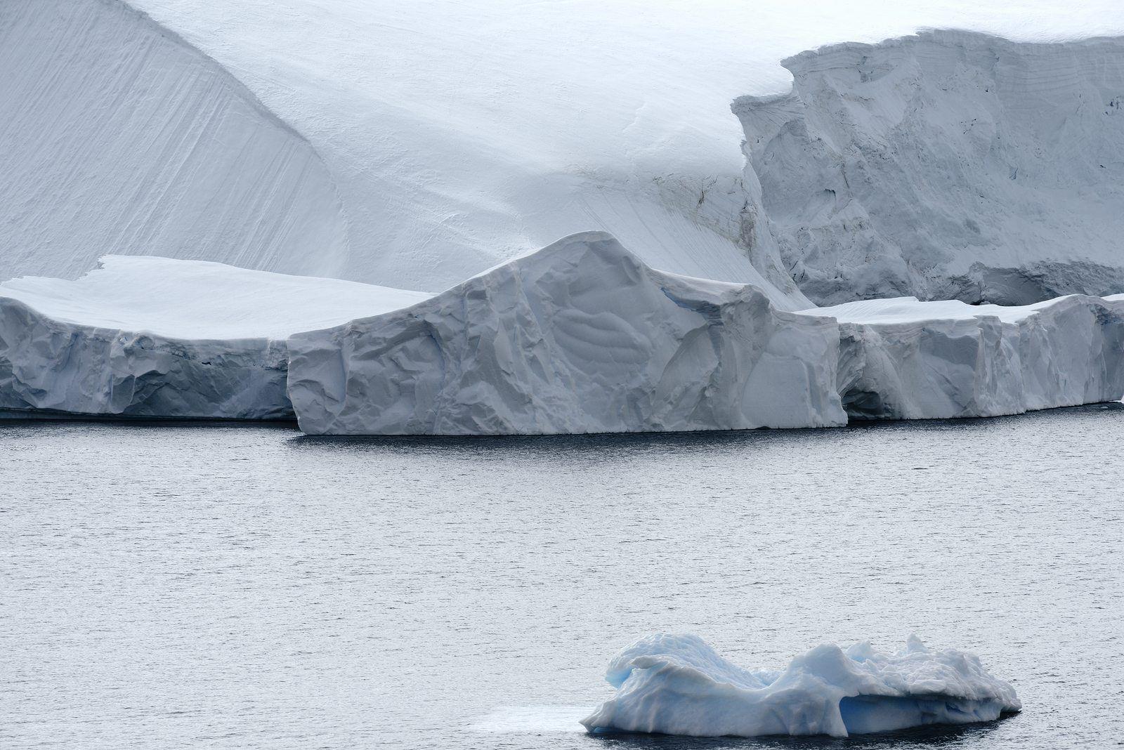 Iceberg twice size of Luxembourg breaks off Antarctic ice shelf