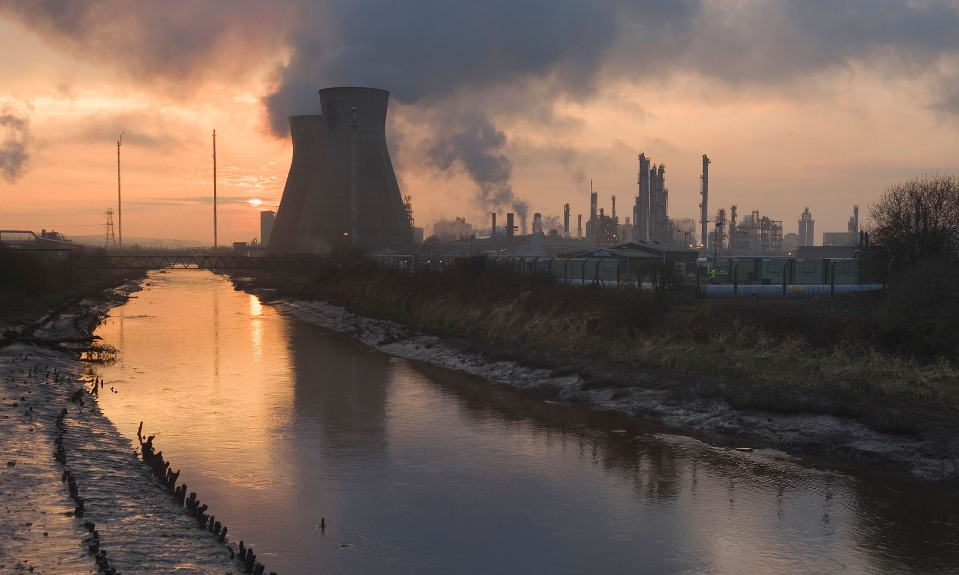 Some rare good climate news: the fossil fuel industry is weaker than ever - Bill McKibben